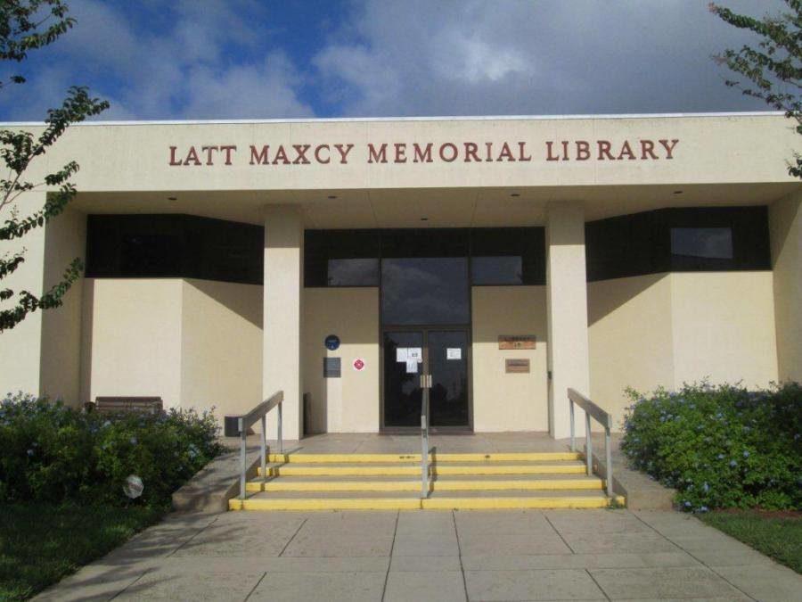 Latt Maxcy Memorial Library Frostproof.jpg